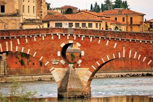 wakiing around Verona is on the leadership training itinerary