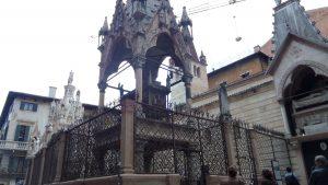 della scala family tomb